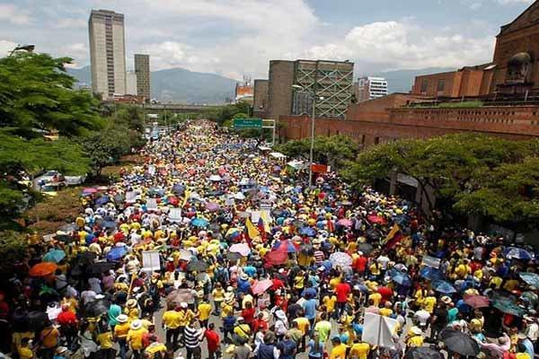 برگزاری اولین تظاهرات گسترده ضد رئیس جمهور جدید کلمبیا
