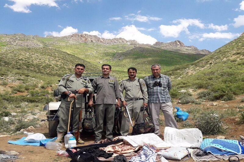 خبرنگاران 4 شکارچی کبک در مهاباد دستگیر شدند