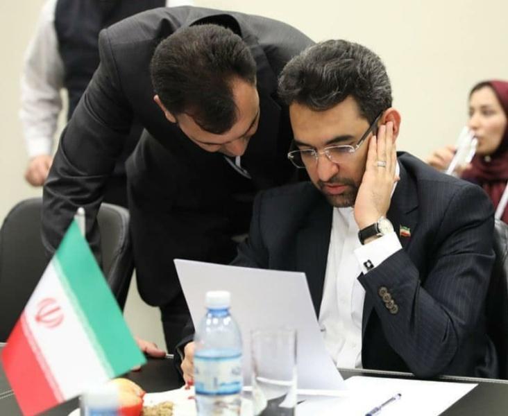 آذری جهرمی: از تهدیدها، فرصت می سازیم