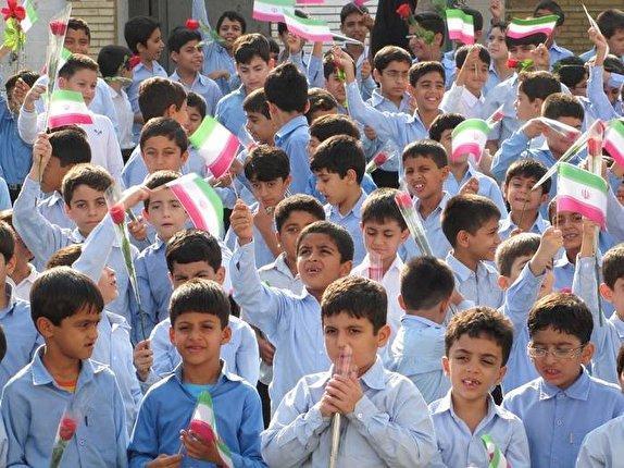 رویش جوانه های دانایی در هیاهوی مهر ماه، برچیده شدن مدارس کانکسی در کانون های زلزله آبان 96
