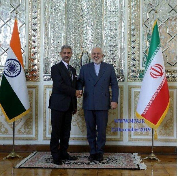 توئیت ظریف پس از سه دور ملاقات و مذاکره با همتای هندی، عکس