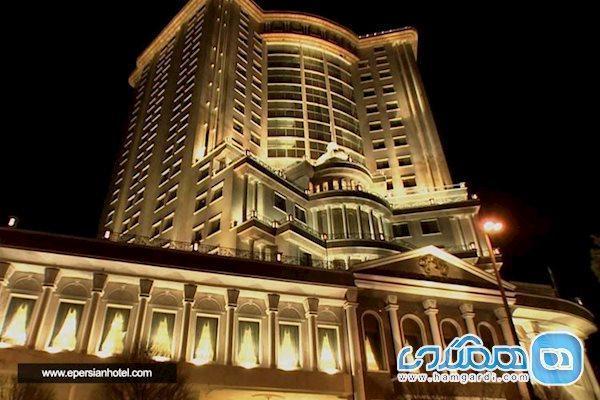 آیا هتل قصر طلایی مشهد قابل مقایسه با هتل مجلل درویشی است؟