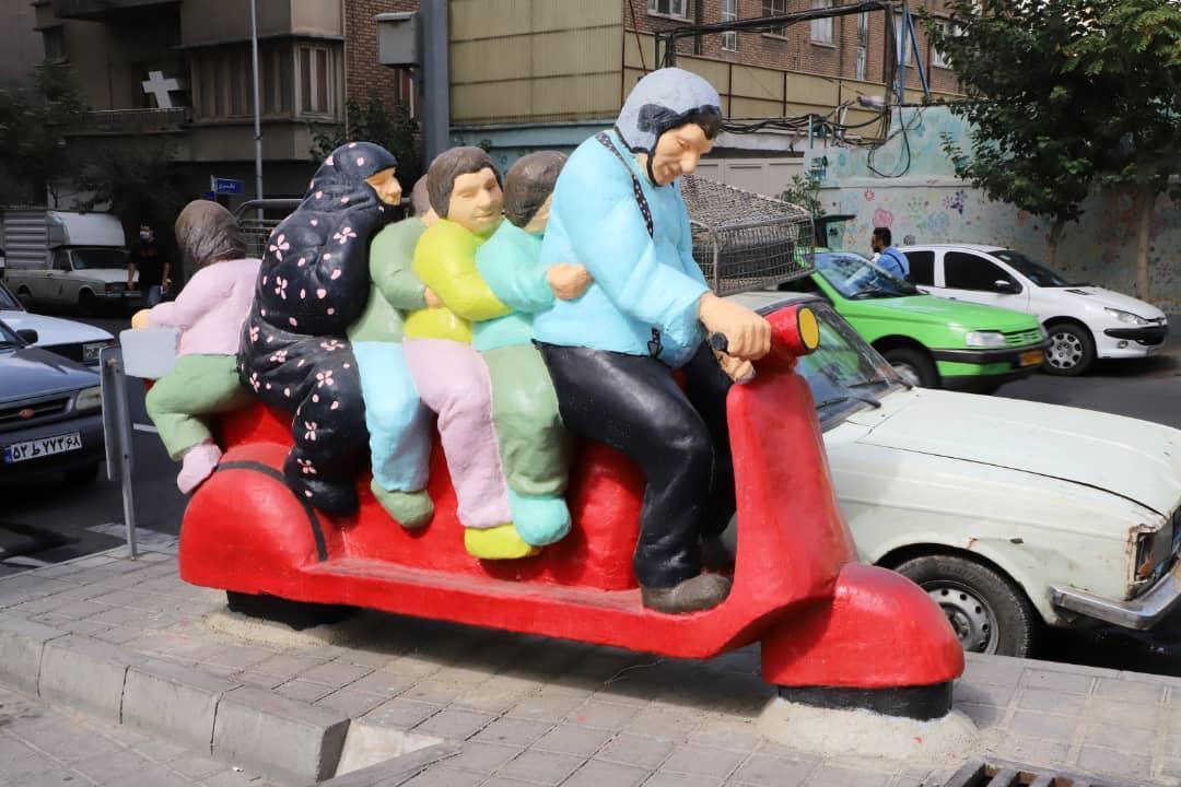 نصب المان های شهری با موضوع بچه ها در خیابان بهار