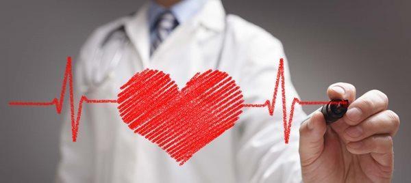 دلیل تند تند زدن قلب چیست؟