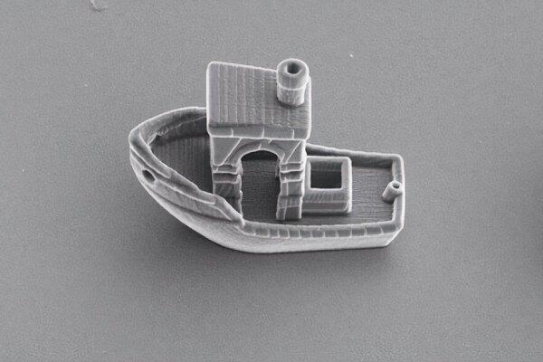 کوچک ترین قایق دنیا از تار مو هم باریک تر است