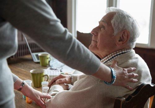 اصول مراقبت از افراد مسن و سالمند
