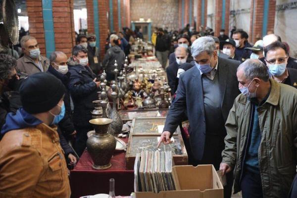 خبرنگاران جمعه بازار پروانه با حضور شهردار تهران بازگشایی شد