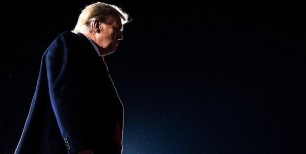 مشاوران کاخ سفید: احتمال استعفای ترامپ صفر است