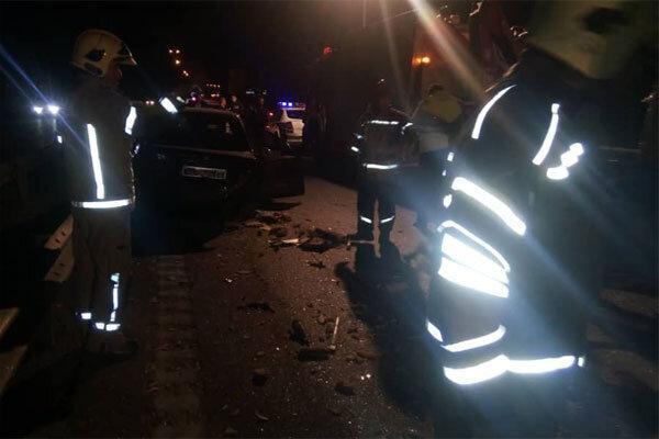 تصادف دو پراید در اتوبان تهران-قم، یک نفر کشته و 8 تَن مصدوم شدند