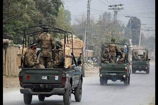 انفجار بمب نزدیک ایست بازرسی ارتش پاکستان، یک نظامی کشته شد