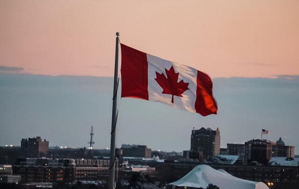 انتها رشدهای مثبت مالی کانادا