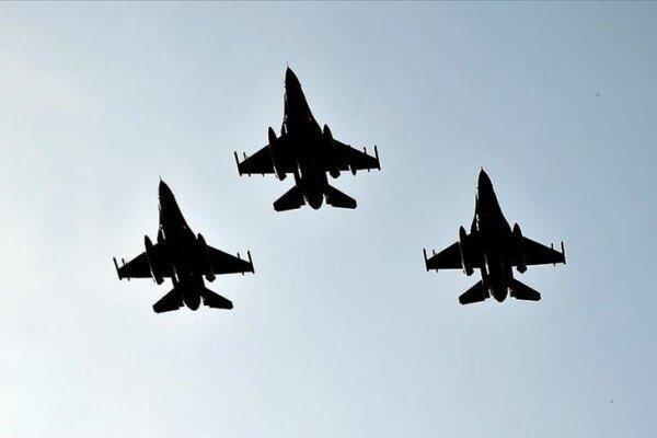 گشت زنی هوایی جنگنده های ترکیه و آمریکا بر فراز لهستان و ایسلند